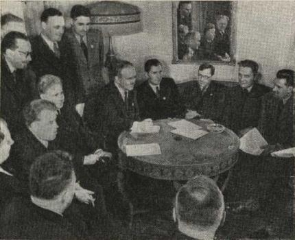 В. М. Молотов в кругу советской делегации на конференции в Сан-Франциско. Апрель-июнь 1945