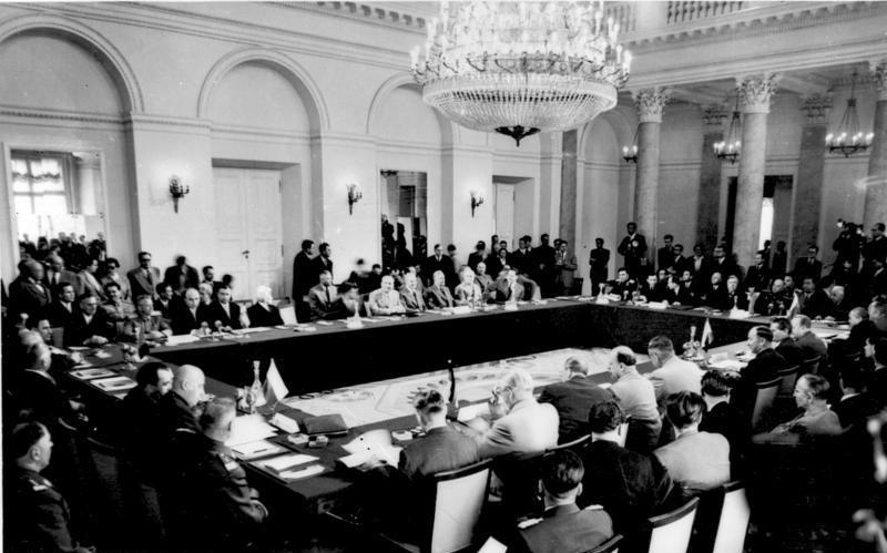 Совещание в Варшаве европейских стран по обеспечению мира и безопасности в Европе 11 мая 1955