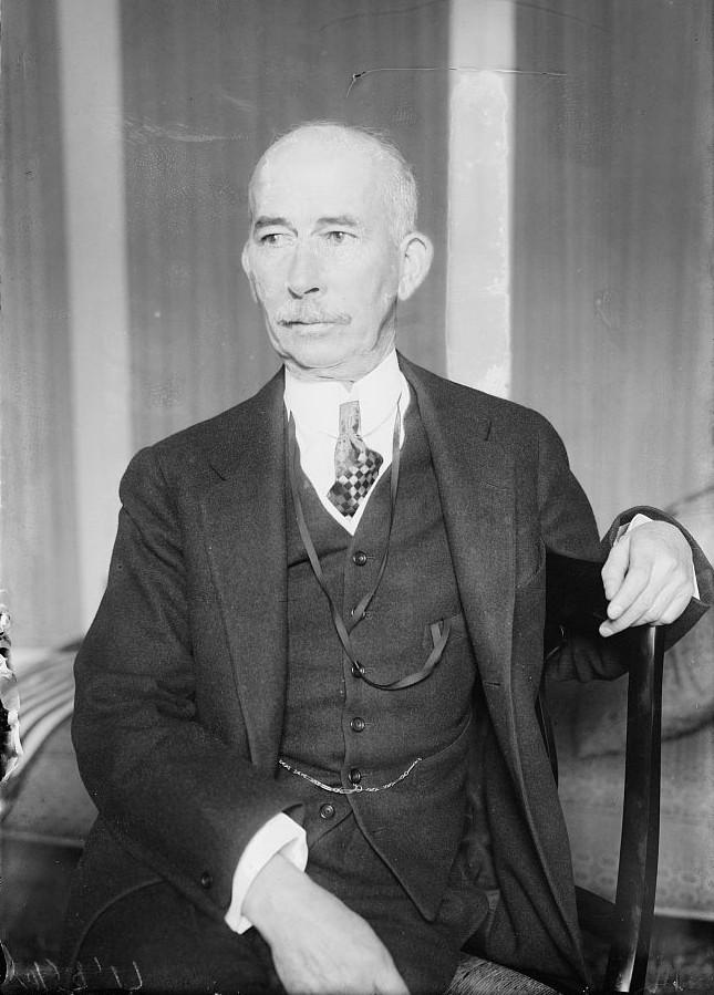 Эдуард Хауз