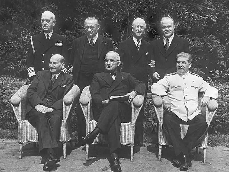 К. Эттли, Г. Трумэн, И. Сталин на Потсдамской конференции. Июль 1945