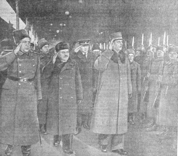 Прибытие в Москву генерала де Голля. 2 декабря 1944